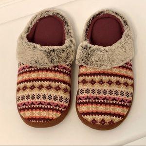 Dearfoam Sweater/Faux Fur Slippers